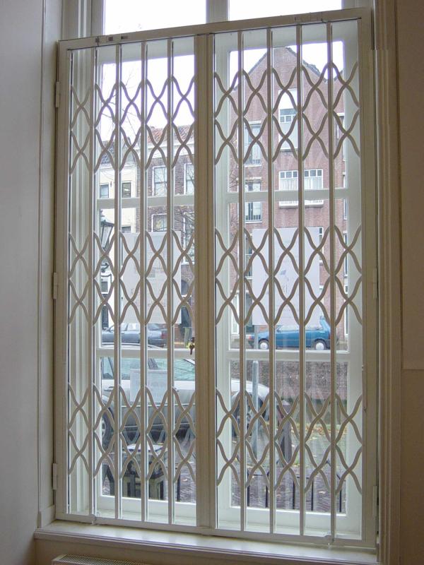 Automazioni serrande coibentate grate di sicurezza portoni avvolgibili spagnoli serrande firenze - Serrande per finestre prezzi ...