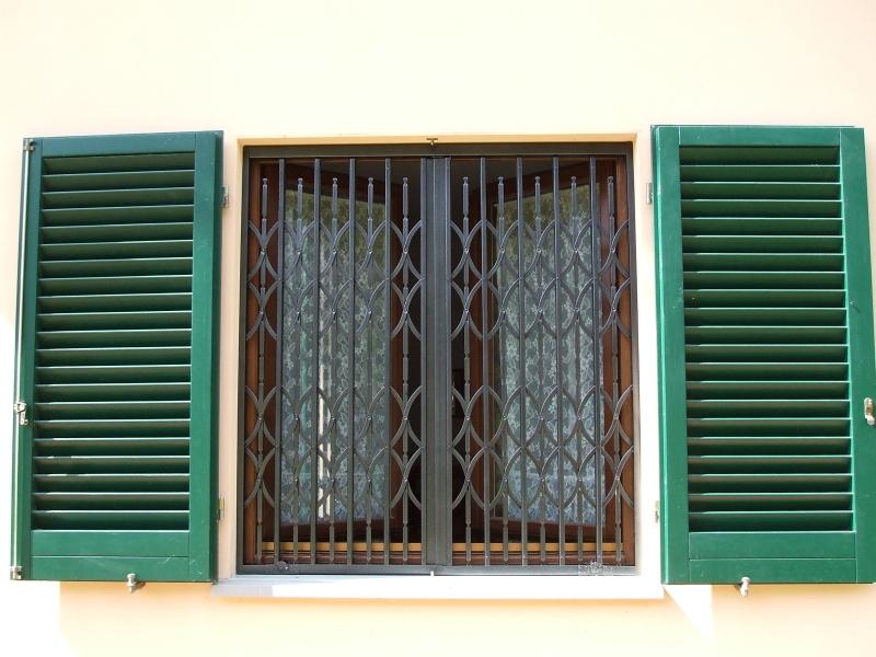 Automazioni serrande coibentate grate di sicurezza portoni avvolgibili spagnoli serrande firenze - Serrande avvolgibili per finestre ...