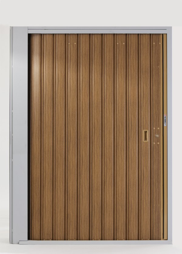 Serrande scorrevoli verticali spagnoli serrande firenze - Porta garage scorrevole ...